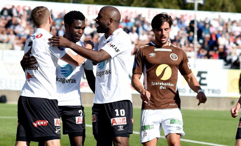 Olivier Occean (nr. tre f.v.) scoret Odds 1-3-mål da Mjøndalen tapte 3-6 i Eliteserien 2015. Foto: Digitalsport.